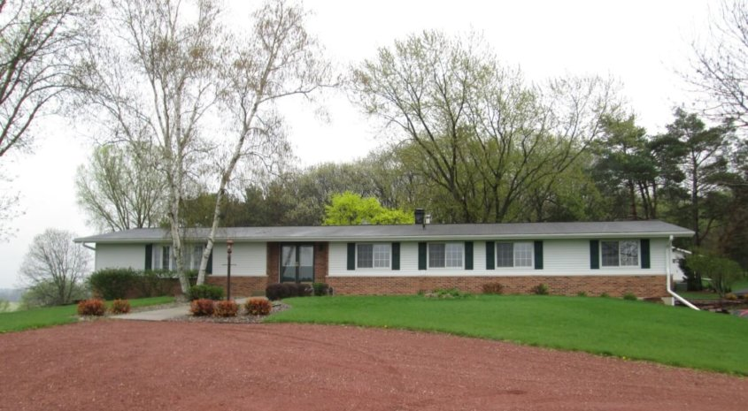 Ranch Home with Acreage for Hunting – Marquette County-Panoramic Views
