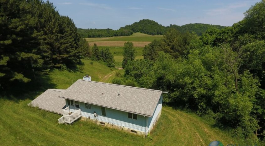 Turnkey Trophy Hunting Camp in Southwestern Wisconsin