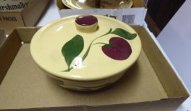 The Watt Pottery, Pfaltzgraff and Vintage Items Online Only Auction