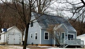 Cape Cod Home Walking Distance to Amenities in Richland County