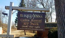 Blakley Hobbit- Country Home w/ Cabin Rentals & RV Park , Vernon Cty, Wi