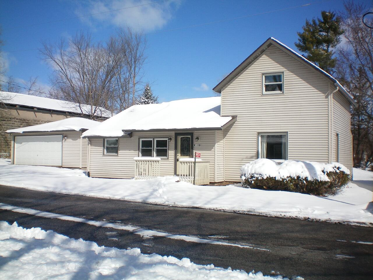 Remodeled 3-bedroom steps away from Lake Mason - United Country ...