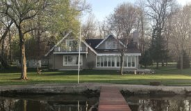 Beautiful Waterfront Home on Lake Mason!