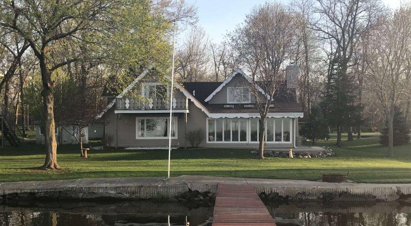 Beautiful Lakefront Home on Lake Mason!