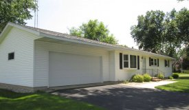 Meticulously Maintained Ranch Home in Subdivision Portage WI