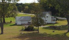 Nice Folk Farm Home with 4.5 Acres in Rio Wisconsin