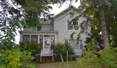 5 Bedroom Home in Baraboo WI Online Only