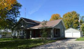 3 Bedroom Colonial Home in Portage WI
