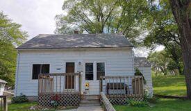 3 bedroom home on a quiet street in Wisconsin Dells