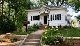 Move-in ready 2 bedroom, 1.5 bath home in Portage WI