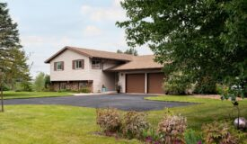 3 Bedroom Home in Onalaska, WI with Over 1/2 Acre